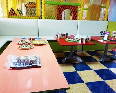 Ресторант с детски център Океан